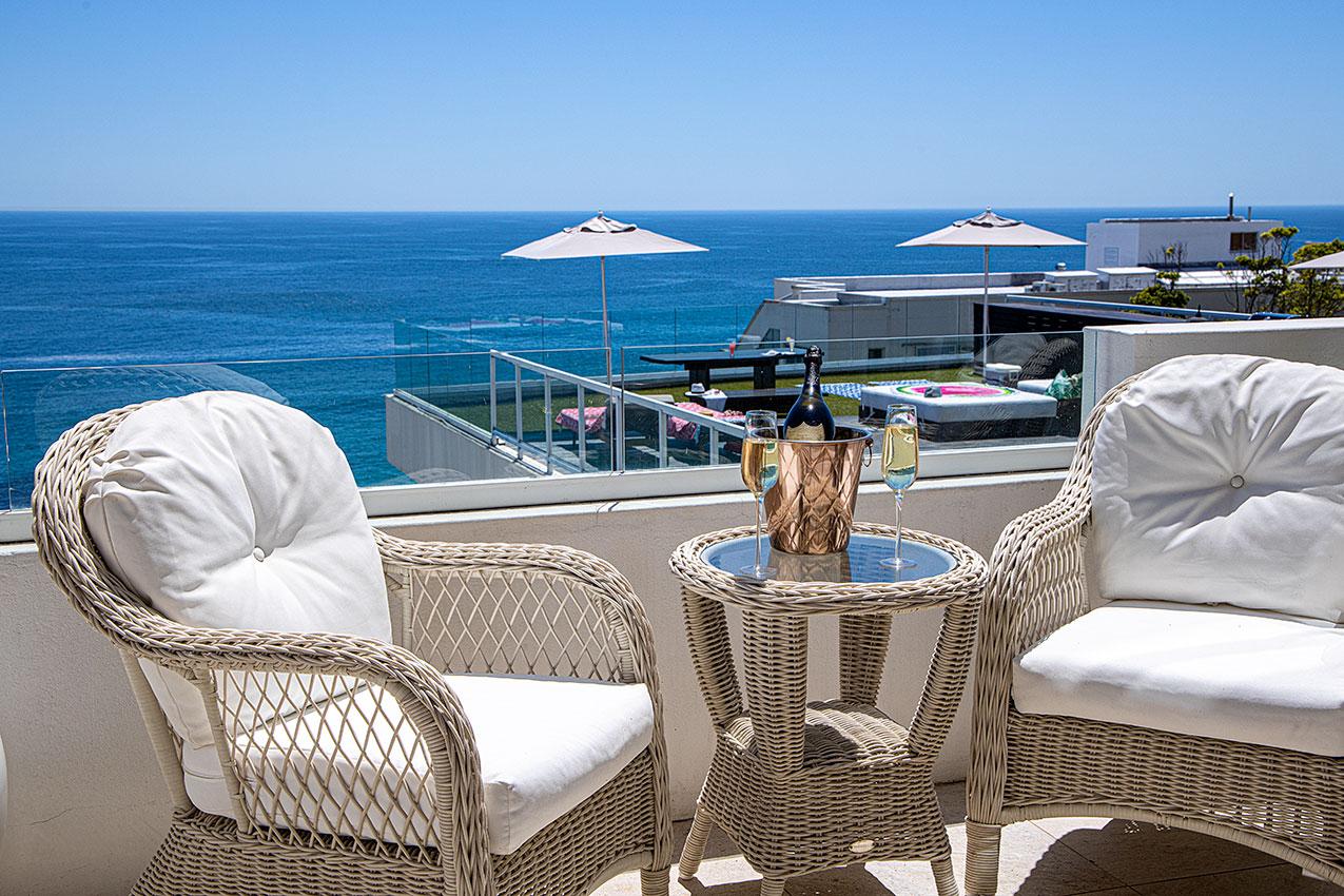 Clifton Private Beach Villa Satin room view
